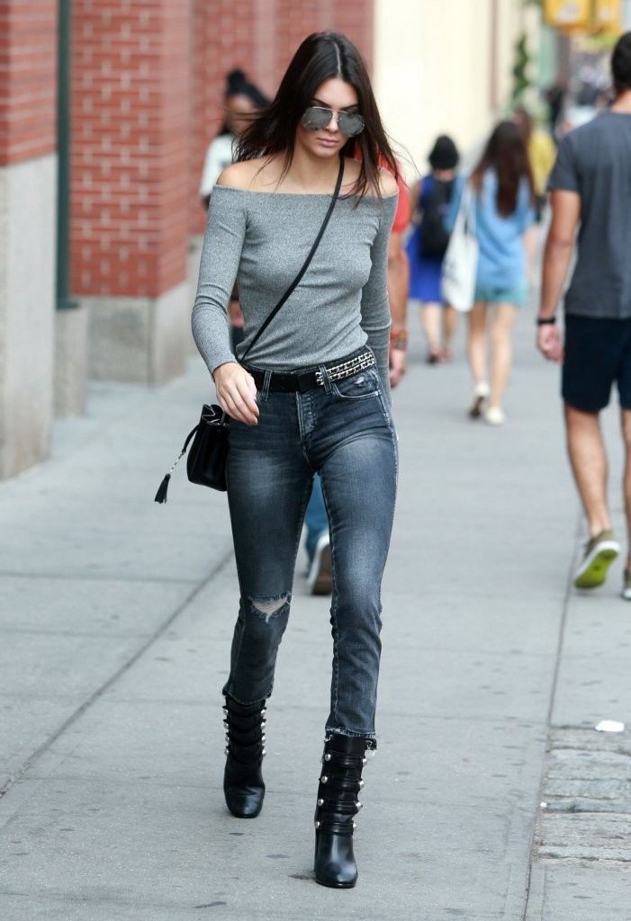 Kendall Jenner giving grace to the denim