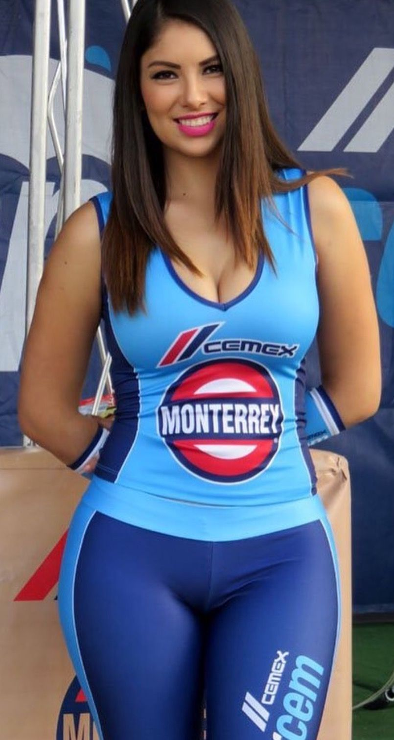 Gorgeous thicc racing babe