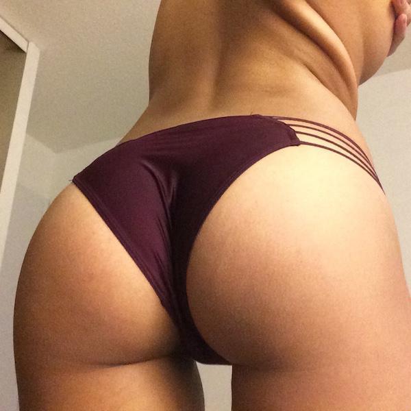 Thighgap ass in panties