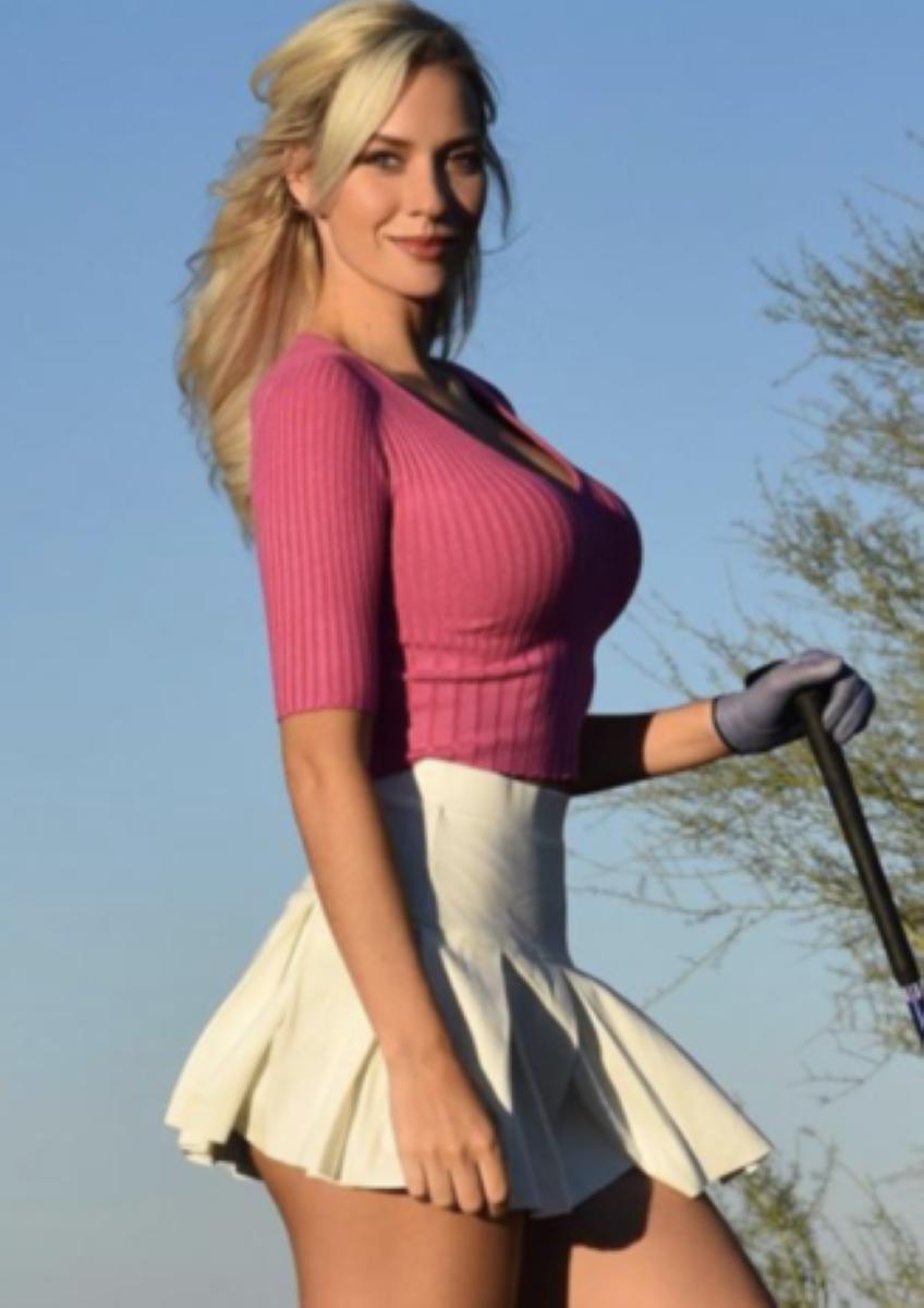 Golfing babe Paige
