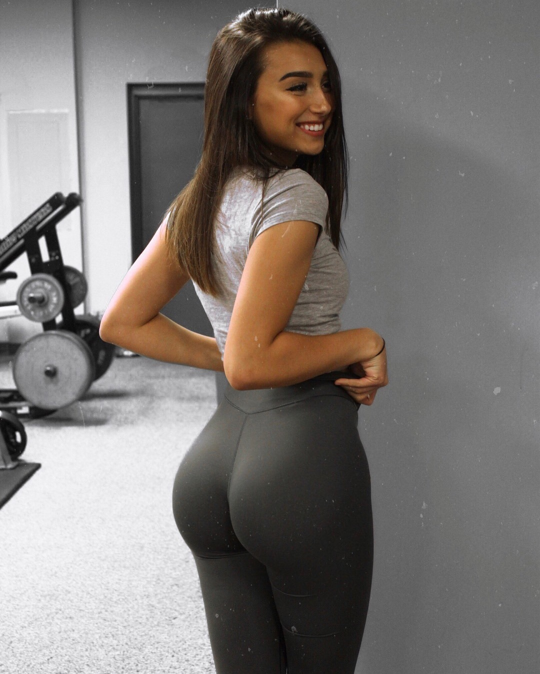 Amazing ass babe of the day