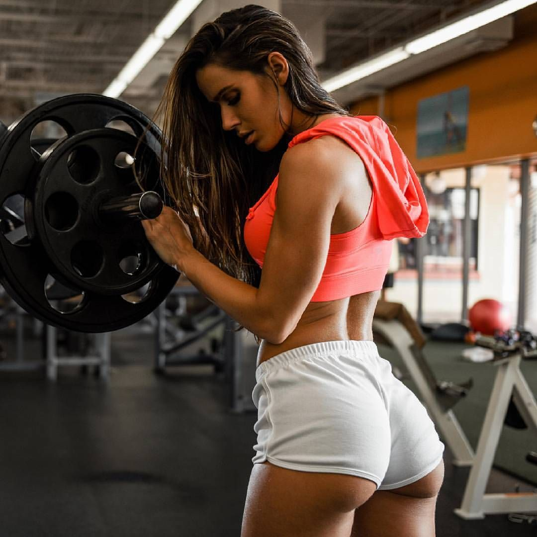 Sexy ass fitness babe