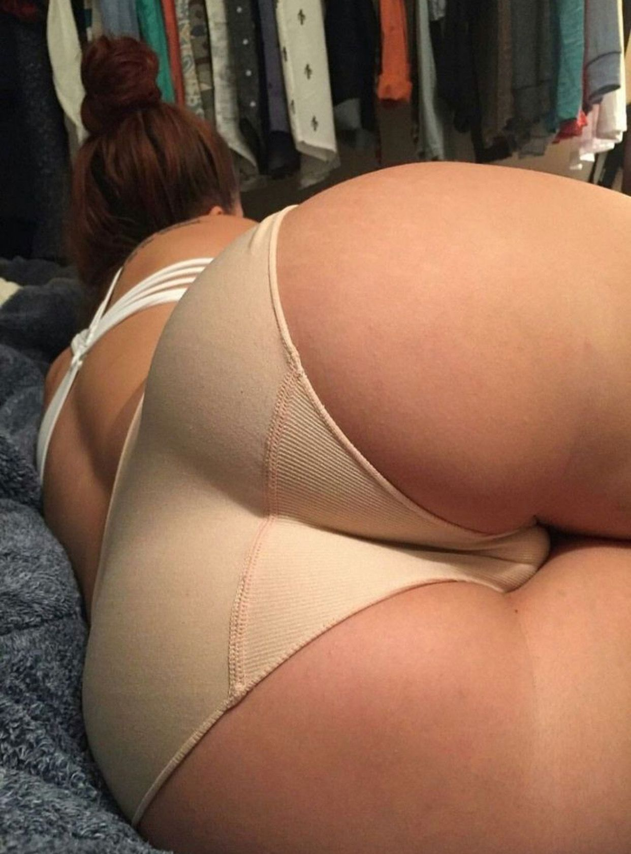 Babe with sexy thicc juicy ass