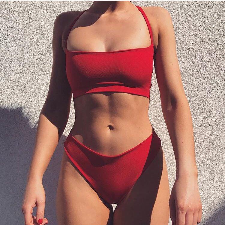 Thick sexy bikini babe