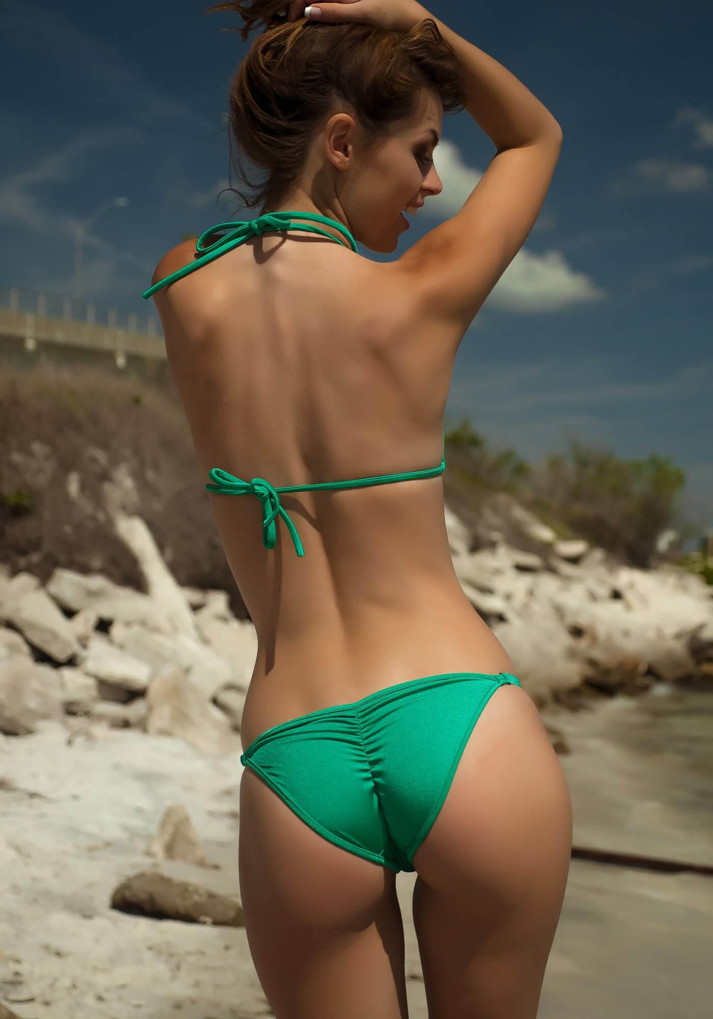 Bikini Booty babe of the day