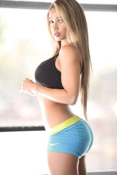 Hot sexy fitness blonde