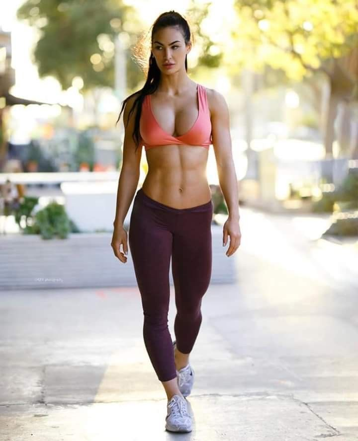 Cute fitness babe